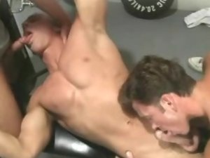 Muscled Gays Group Sex Movie