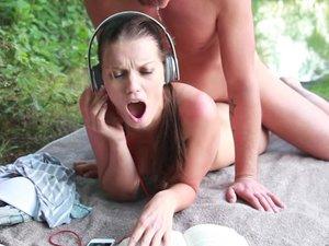 My Dirty Hobby - Deutsche Bruenette Teens beim Outdoorsex