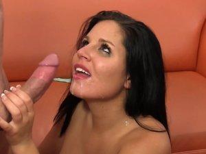 Pornstar Missy Maze gives asscrack addict blowjob