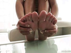 Happy Cocky Feet