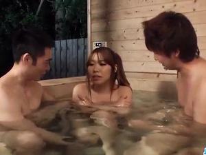 Sex in the saune along two guys for Iroha Suzumura