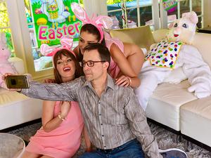Family Strokes – Uncle Fuck Bunny
