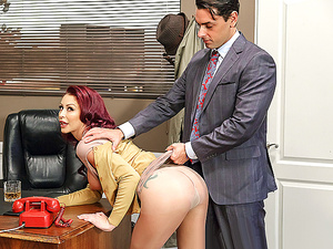 Brazzers – Getting Off The Typing Pool