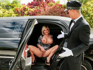Big Tits Boss - My Busty Boss Sara