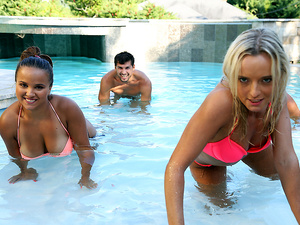 Euro Sex Parties – Pool Party