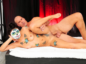 8th Street Latinas – Painted Pussy