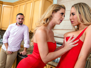 Digital Playground – Thanksgiving Turkey Toss