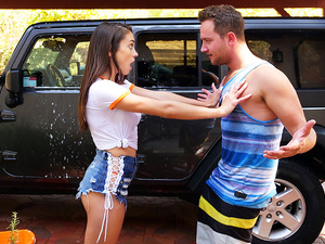 Spy Fam – Step Bro Hoses Down Big Titty Step Sister