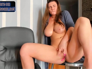 waterfall squirts sexy ukrainian boobs