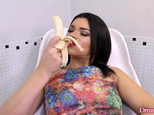 Provocative Transsexual Paulinha Lima Masturbates with a Banana