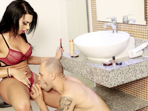 Sexy Transsexual Bianca Reis Applies Her Makeup While a Guy Sucks Her Cock