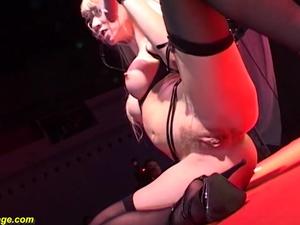 flexi girl gives a hot lapdance