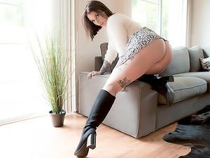 Porn Habit Earns Ivy Anal Manhandling!