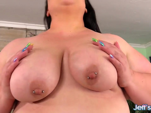 Raunchy Fat Girl Bella Bendz Displays Her Body Before Being Royally Fucked