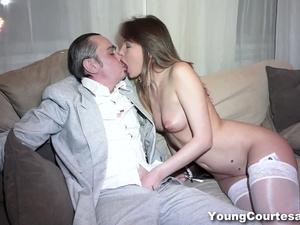 Young Courtesans - Aubrey - Courtesan pussy creampied