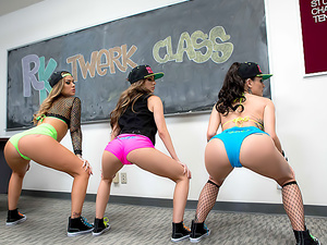 Twerk Class In Session