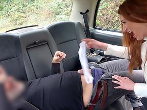 Horny hottie in filthy taxi ride