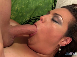 Brunette Plumper Angelina Knows How to Pleasure Her Man