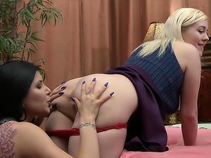 Lesbian Psychodramas #29!