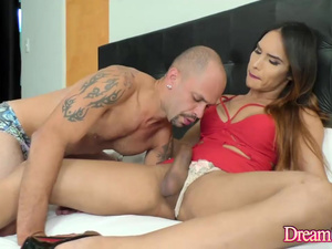 Big Cock Tgirl Kalliny Nomura Lets a Guy Suck Her off and Returns the Favor