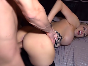 Sexy busty cougar housewife fucked