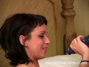 Kinky brunette girlfriend just wants to fuck
