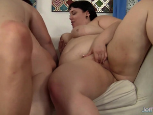 Gorgeous Plumpers Alexxxis Allure and Lady Lynn Take Turns Bouncing on Cock