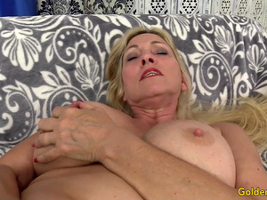Orgasmic Machine Sex with Busty Blonde GILF Cala Craves