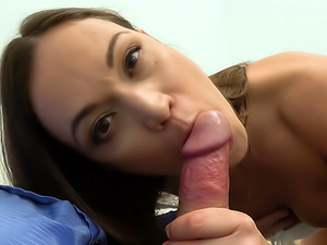 Multiple orgasms for horny model