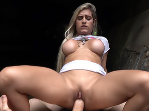 Brazilian twerker fucked outdoors