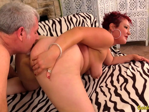 Older Slut Scarlett O Ryan Twerks Her Big Ass While Bouncing on a Hard Dick