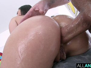 ALL ANAL Big booty fun with Violet and Valentina