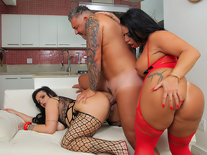 Monica Santhiago & Angel Lima: 3-Way!