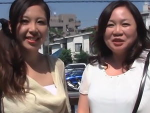 Japanese mature lady is into hot sex with her sexy Asian friend