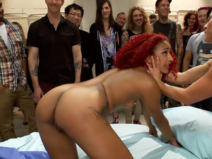 Medical mayhem! Flexible pain slut plays doctor