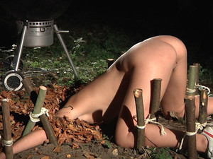 Tiedup slave squirts while Master masturbates her