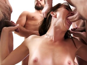 Bianca Breeze - My Hotwife's Gangbang 2