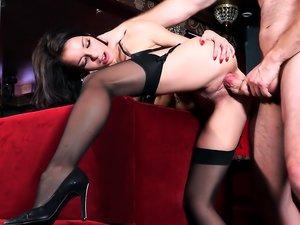 A French Affair, Scene 3