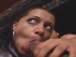 Thaina tranny dicking lady on video